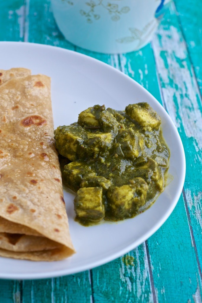 Here's is an easy recipe to make restaurant style Palak Paneer (Spinach with cottage cheese) at home the healthy way!