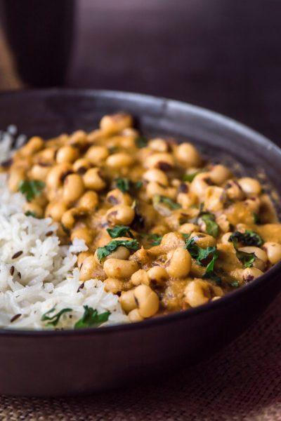 Black eyed peas curry (chawli / lobia masala)