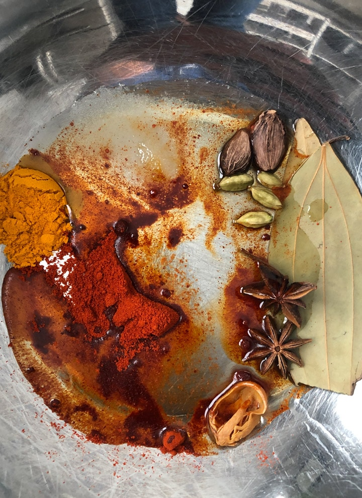 Spices for marinated chicken