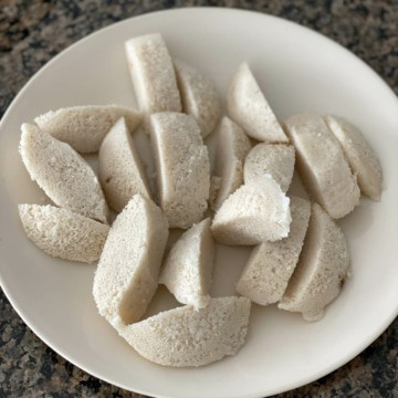6 idlis cut into 3 pieces each and placed in a beige plate