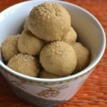 A bowl full of Wheat laddoo (Godi Laddu)