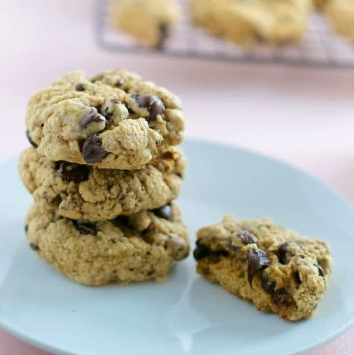 Make this healthy whole wheat chocolate chip cookies in less than 30 minutes!