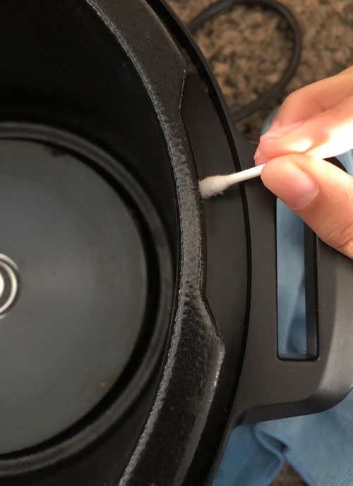 Cleaning Instant Pot Exterior Pot Rim with Qtip