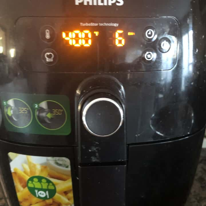 The air fryer set to 6 minutes at 400°F.