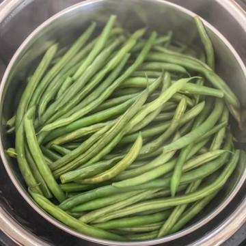 Green beans after steaming in the instant pot.